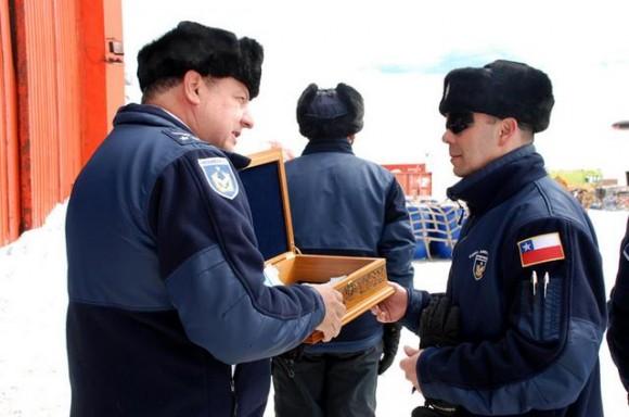 Base Aérea Antártica Pres Eduardo Frei Montalva - troca de comando 26-11-14 - foto 4 FACh