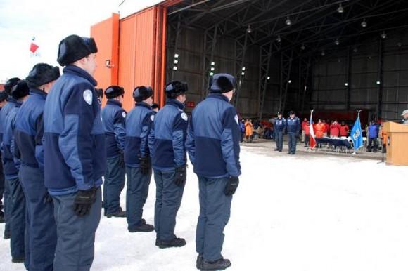 Base Aérea Antártica Pres Eduardo Frei Montalva - troca de comando 26-11-14 - foto FACh