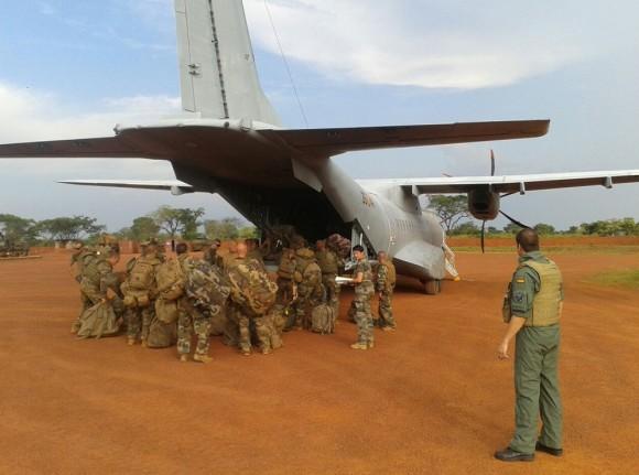 C-295 - T21 - operação em pista não preparada - foto 2 Força Aérea Espanhola