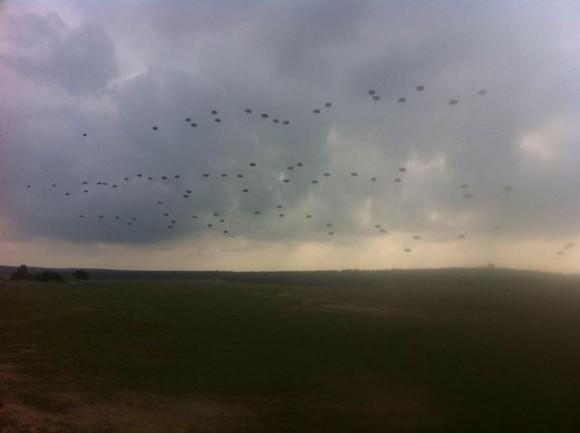 C-295 tchecos lançam paraquedistas - foto 2 Min Def Rep Tcheca