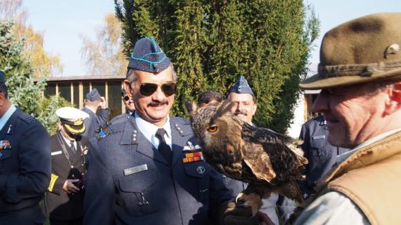 Delegação indiana visita base aérea tcheca de Caslav onde opera Gripen - foto 3 AFB Caslav