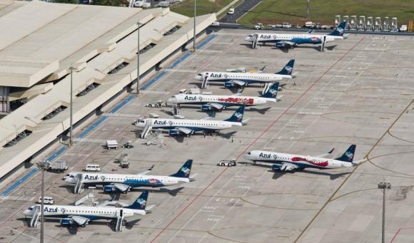 E-Jets da Azul em Viracopos - foto Azul