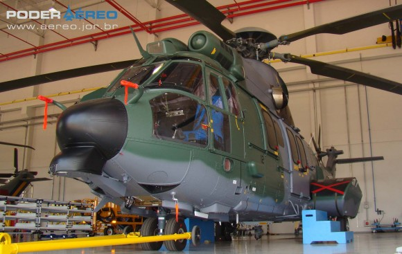 EC725 destinado à FAB na fábrica da Helibras em Itajubá - foto Nunão - Poder Aéreo