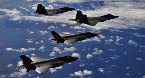 F-22 e F-35 em missão integrada de treinamento - foto 4 USAF
