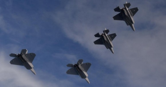 F-22 e F-35 em missão integrada de treinamento - foto 5 USAF
