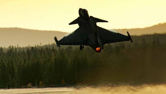 Gripen decolando - foto Saab