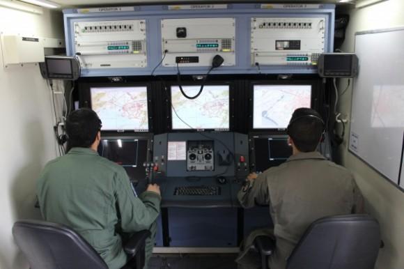 RQ-900 - estação de controle - foto FAB