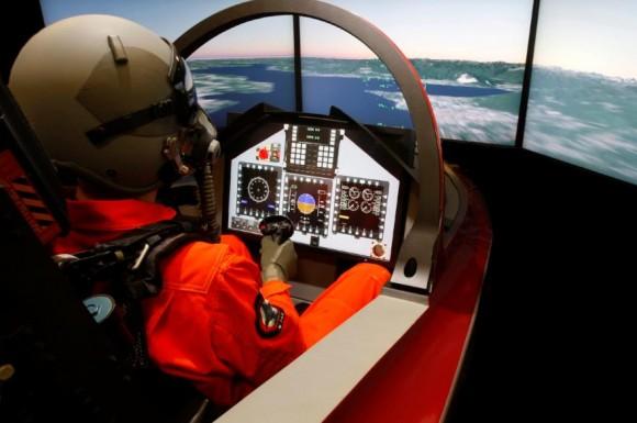 M-346 simulador - foto Finmeccanica - Alenia Aermacchi