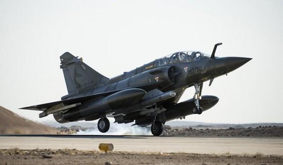 Primeiro voo operacional Mirage 2000D operação Chammal - foto 2 Min Def França
