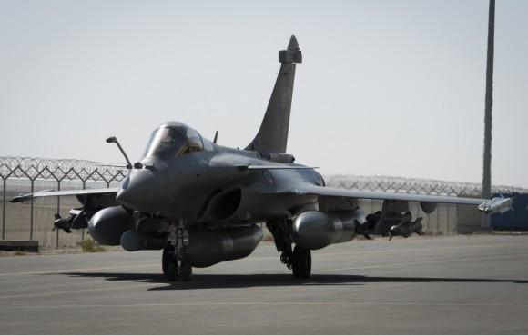 Rafale na Operação Chammal contra o EI - foto via Ministério da Defesa da França