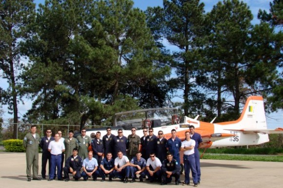 FAB treina militares do Paraguai