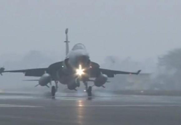 JF-17 Thunder introduzido na CCS da PAF - cena 2 vídeo Newsone