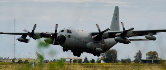 C-130 H reabastecedor - TP 84 - foto Forças Armadas da Suécia