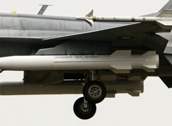 Pakistan Air Force JF-17 fighter with CM-400AKG supersonic ground missiles 2