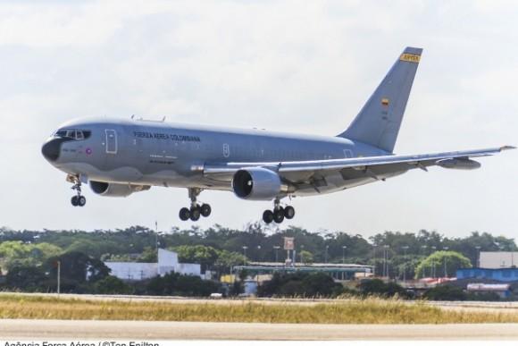 Boeing 767 FAC - foto FAB