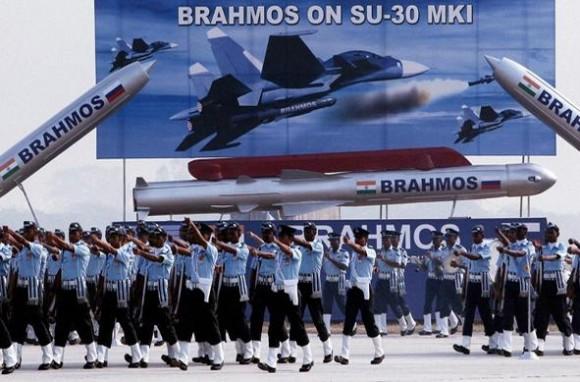 Brahmos em desfile da Força Aérea Indiana em 2011 - foto via Brahmos Aerospace