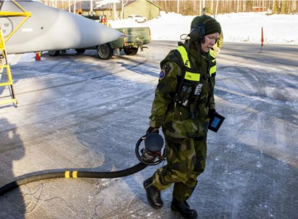 Gripen - Ala 17 treina tiro ar-solo em Vidsel - foto 11 Forças Armadas da Suécia