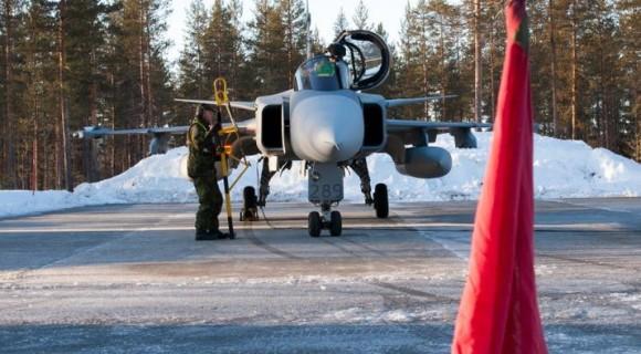 Gripen - Ala 17 treina tiro ar-solo em Vidsel - foto 5 Forças Armadas da Suécia