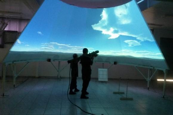 Simulador Konus na BAAN - foto 2 soldado Moraes - FAB