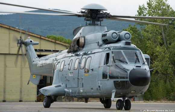 Super Puma - foto Força Aérea Francesa