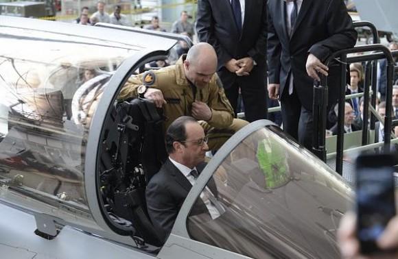 visita pres Francois Hollande Dassault - mar2015 - foto 2 Dassault Aviation