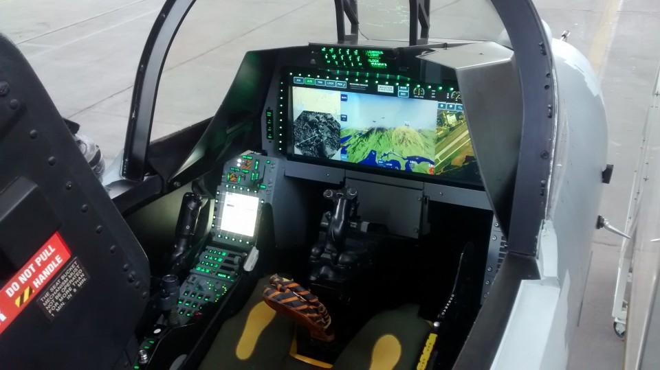 Cockpit do mockup do Gripen NG