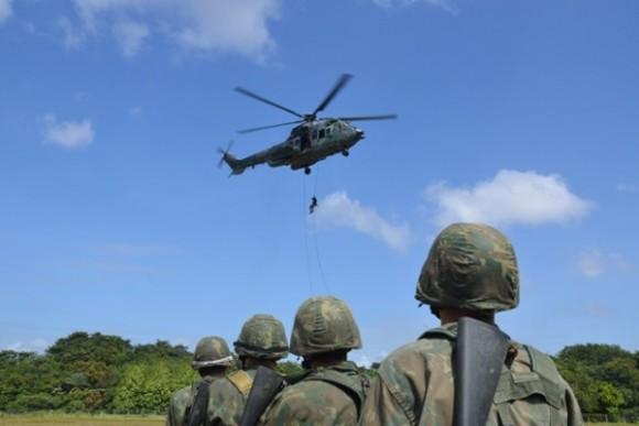H-36 Caracal treinamento EB e MB - foto 2 FAB