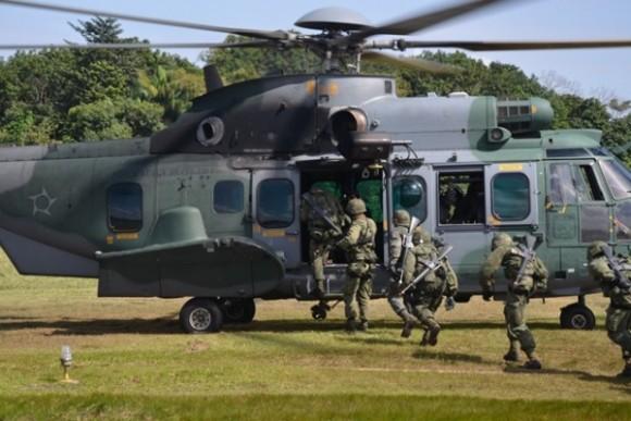 H-36 Caracal treinamento EB e MB - foto 4 FAB