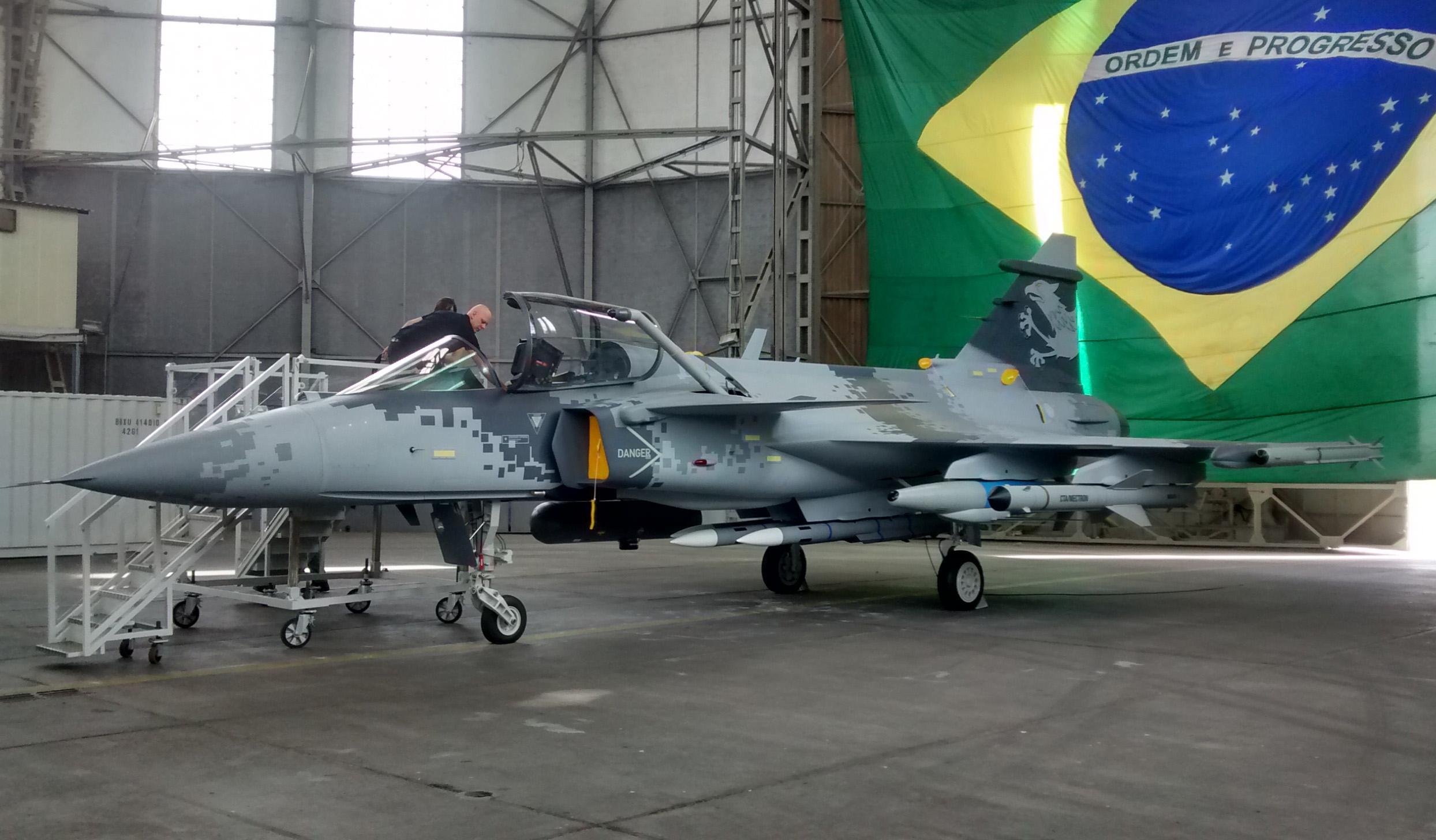 Mockup Gripen NG na Festa da Caça na Base Aérea de Santa Cruz