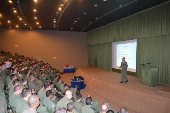 Exercício BVR em Anápolis - auditório BAAN - foto FAB