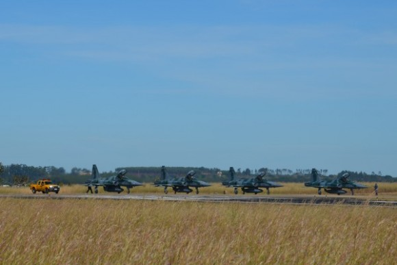 Exercício BVR em Anápolis - caças F-5M - foto FAB