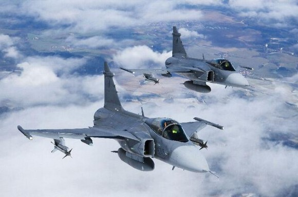Saab Gripen - foto 2 Min Def República Tcheca