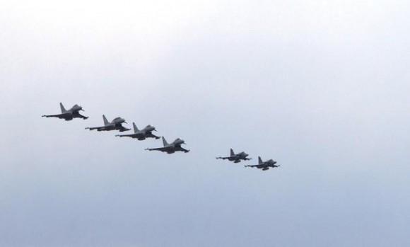 Typhoons e Gripens - foto Min Def Republica Tcheca