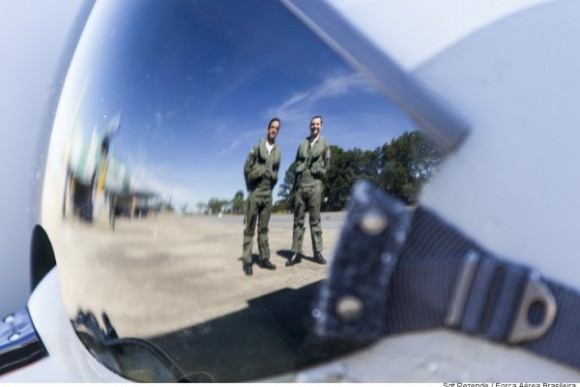 capitães Pascotto e Fórneas que voaram Gripen - foto 2 FAB