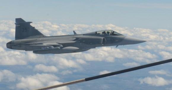 Artic Challenge 2015 - reabastecimento de caças Gripen suecos - foto 2 Forças Armadas da Suécia