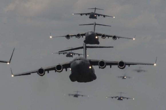 C-17 - exercício Crescent Reach com 11 aeronaves - foto USAF