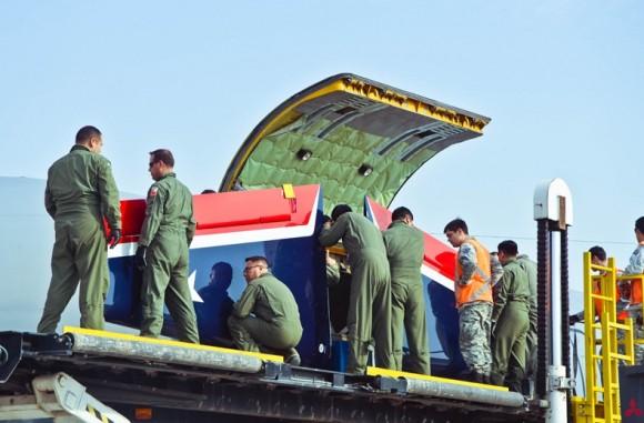 Aviões Extra 300L Halcones - embarque em KC-135 - foto 2 FACh