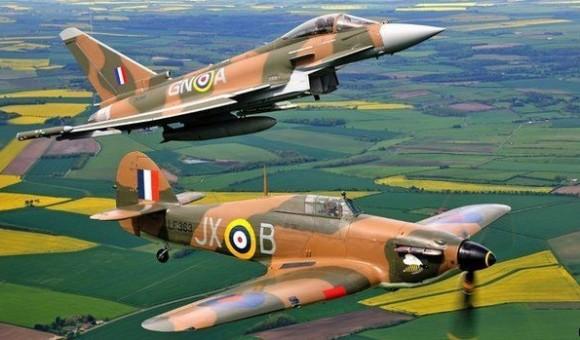 Eurofighter Typhoon e Hawker Hurricane com camuflagem de 1940 - foto RAF