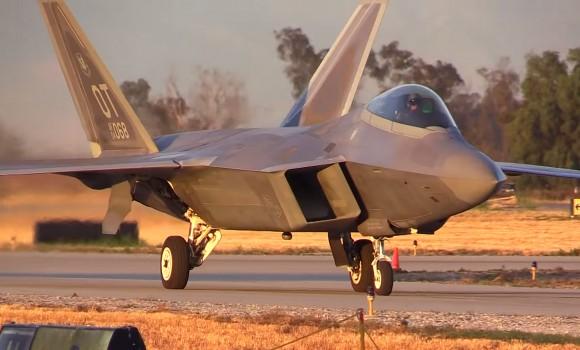 Caças F-22 Raptor