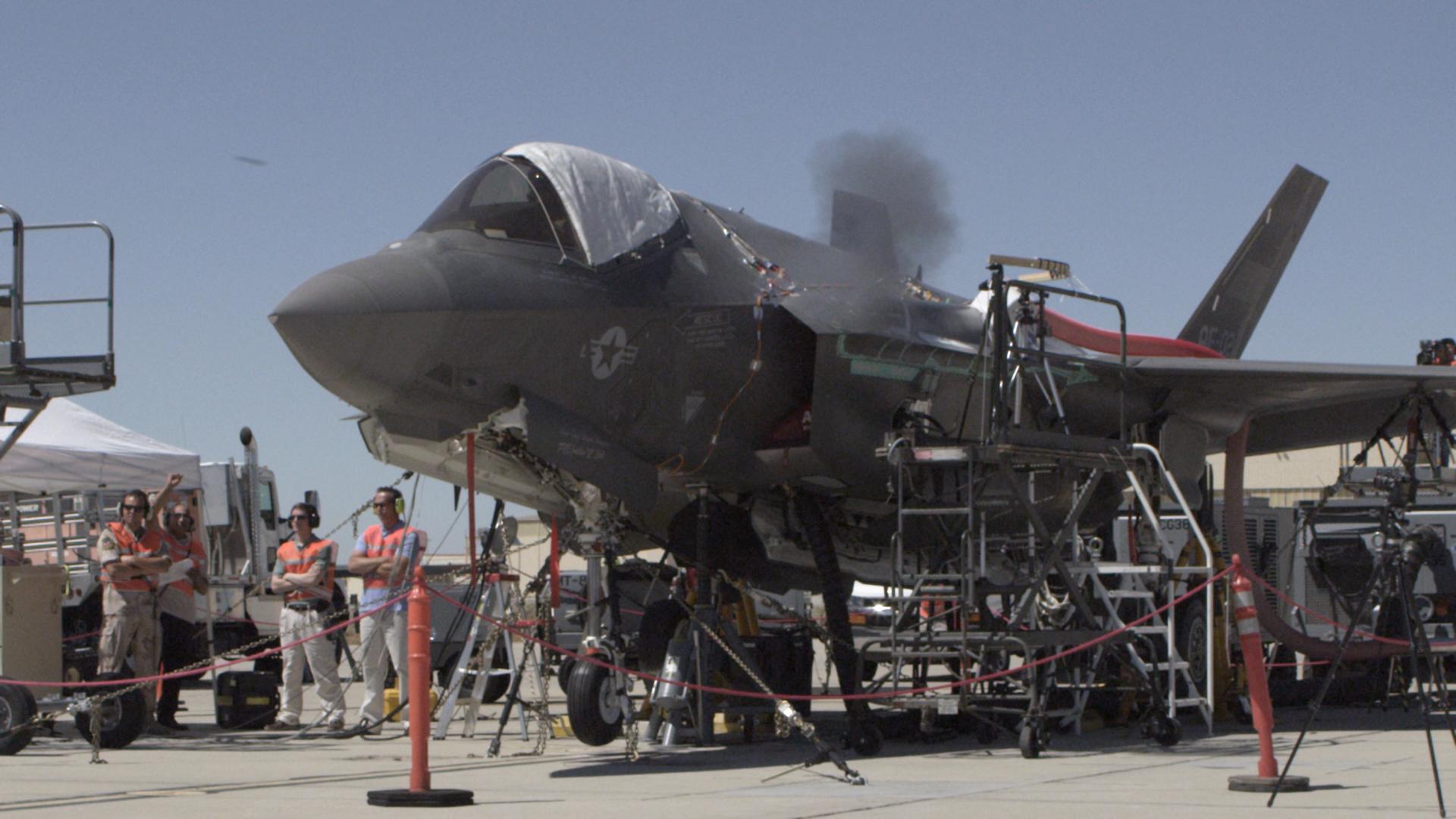 F-35A testando canhão de 25mm