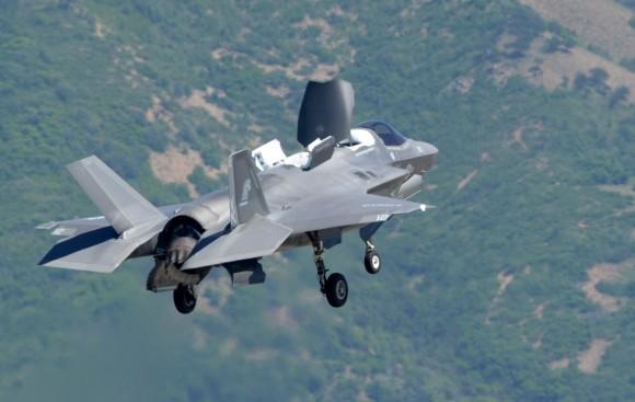 F-35B em testes após modificações para a IOC - foto 2 USAF