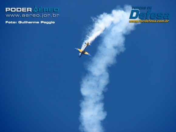 domingo aereo AFA 2015 02 fumaca - foto poggio
