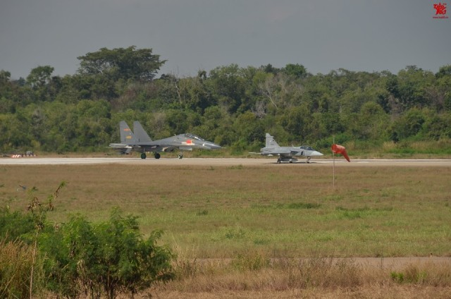 Thailand-Gripens-and-Chinese-PLAAF-J-11-joint-exercises-2
