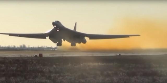 Tu-160 decolando
