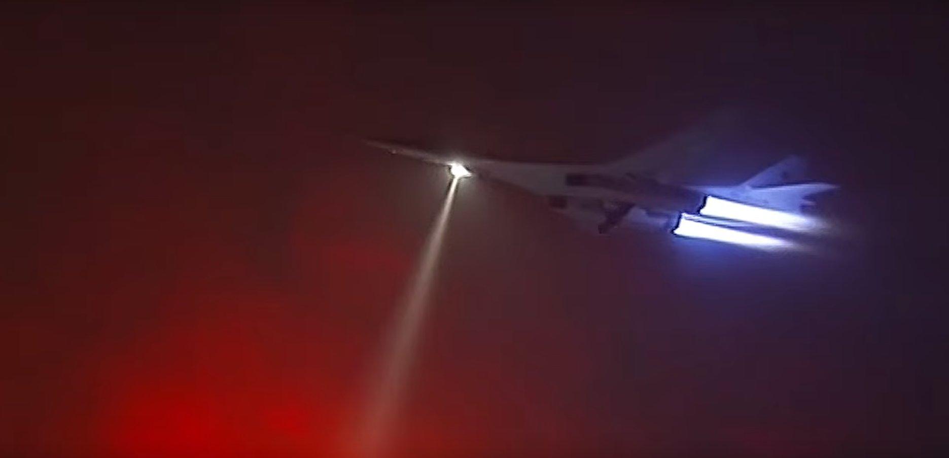 Tu-160 decolando par atacar alvos na siria
