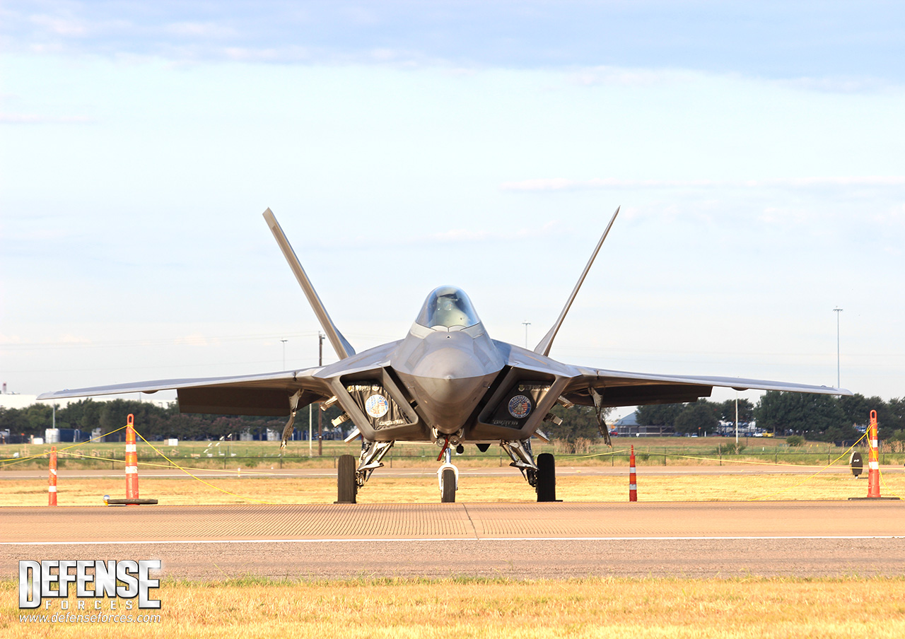Fort Worth Alliance Air Show 2015 - F-22 - 1