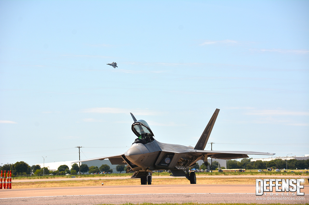 Fort Worth Alliance Air Show 2015 - F-22 - 13
