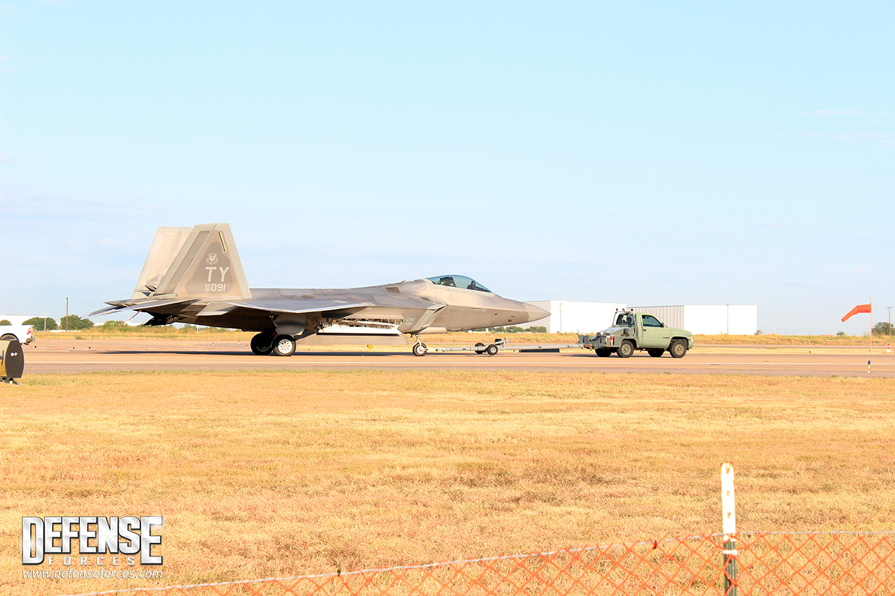 Fort Worth Alliance Air Show 2015 - F-22 - 2