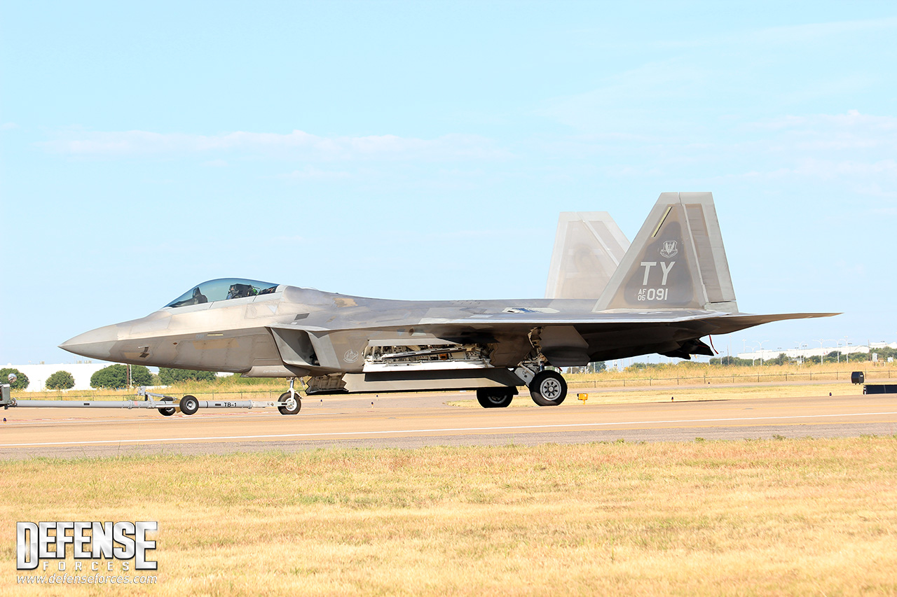 Fort Worth Alliance Air Show 2015 - F-22 - 4