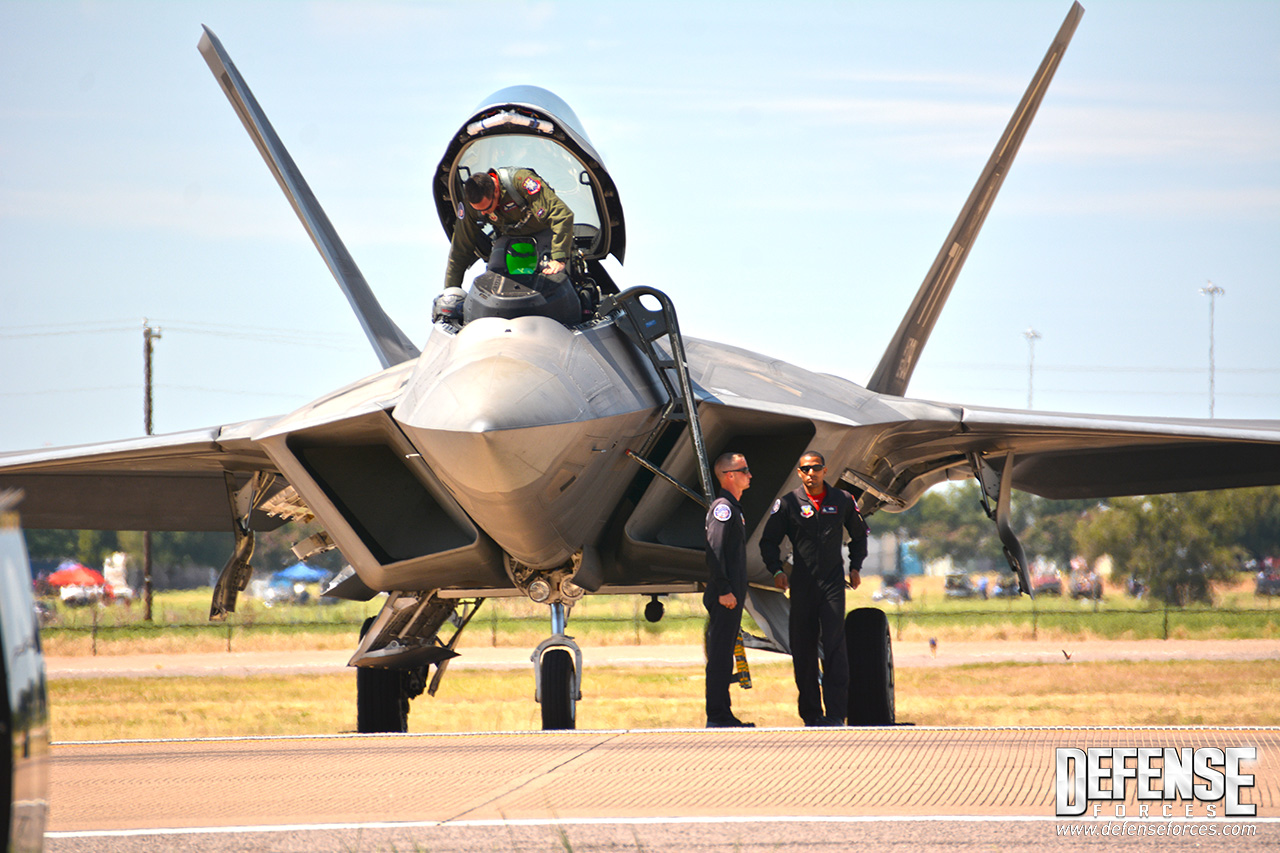 Fort Worth Alliance Air Show 2015 - F-22 - 5